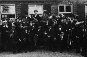 De eerste foto (voor zover bekend) van het Woensels Muziek Corps
